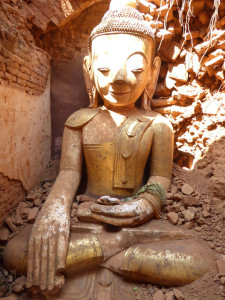 22_Buddha in the mountains